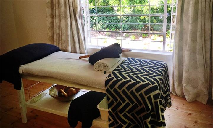 choice_of_90_or_150-minute_pamper_package-17