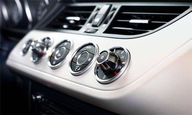 aircon_regas_for_one_or_two_vehicles-1